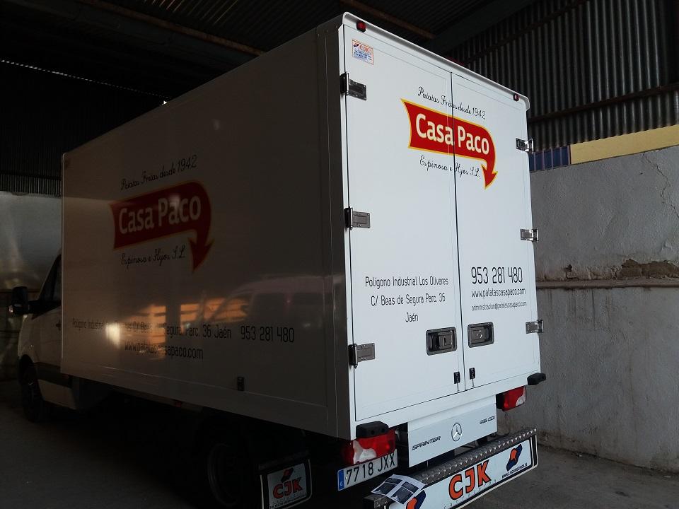 | Rotulación de camión con vinilo de corte