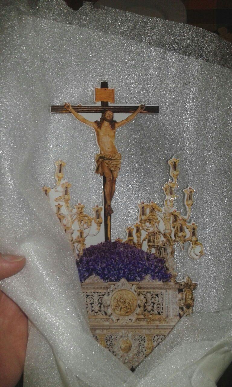   Metacrilato impreso y fresado para regalo del Stmo Cristo de la Expiración de Jaén